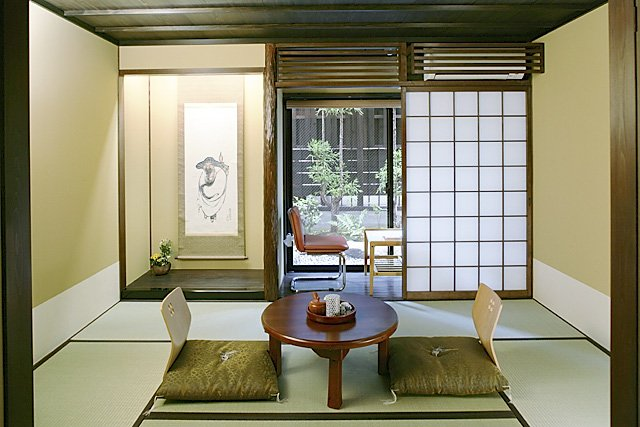 Matsubaya Inn (Room Type A). Please note that I couldn't find a picture of Room Type E, the one I stayed in. Photo courtesy of Matsubaya Inn.